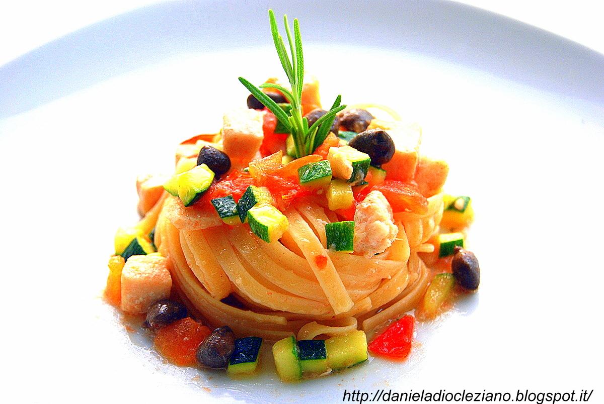 Trenette con pesce spada e verdure